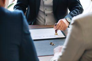 Anlaşmalı Boşanma Protokolü İmzalayan Eşler